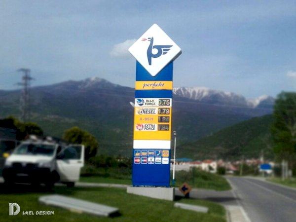 Pole signs and gas stations